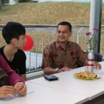 Hakimi mingling with students