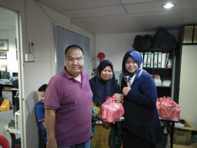 Distributing goodie3